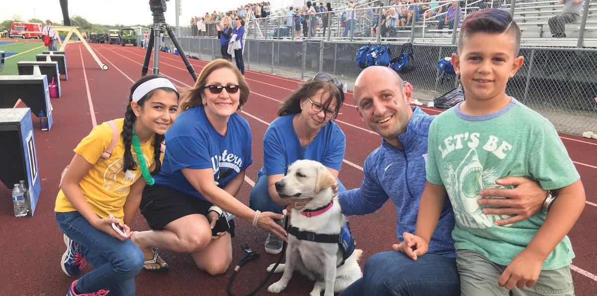Western welcomes therapy dog Dakoda at football opener | The